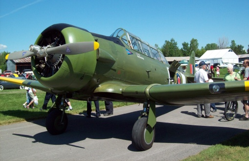 WW II airplane at the Fly-in Breakfast